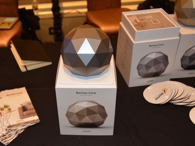 Norton Core Secure Wi-Fi Router hiện đã có ở Hoa Kỳ